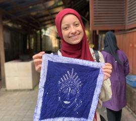 Learning how to make Batik in the Textile Museum, Jakarta